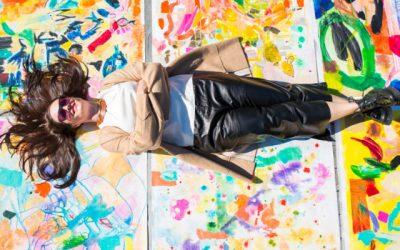 Artikel i Balance by Deborah Hutton: Så blir du en kommersiellt framgångsrik konstnär